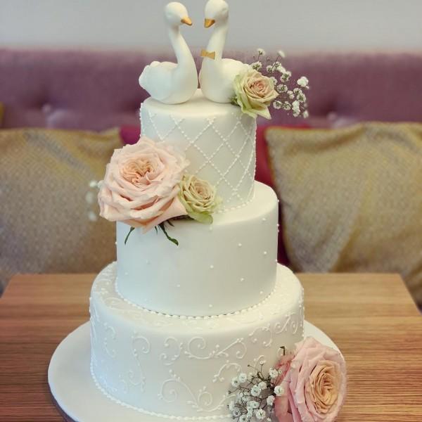 Сватбена торта - 6   Сватбени торти   Консултация и Дегустация