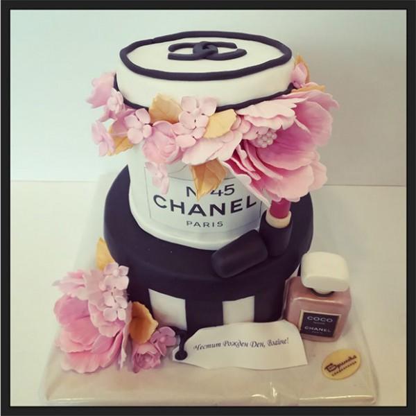 Торта Chanel 2